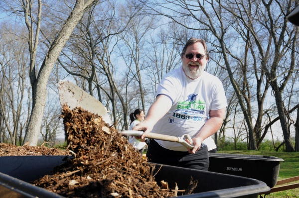 Volunteers tackle Fort Granger on Park Day | Franklin Parks Department, Fort Granger, Park Day, community, events, Franklin TN news, Franklin Home Page