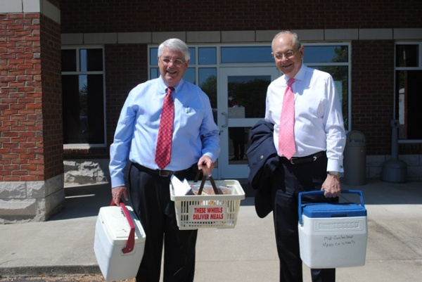 Mayors Moore, Anderson deliver for Meals on Wheels