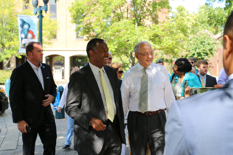 Carson tours downtown Franklin, calling it 'the nicest city in America'   Presidential Race 2016, Ben Carson, City of Franklin, Mayor Ken Moore, Downtown Franklin
