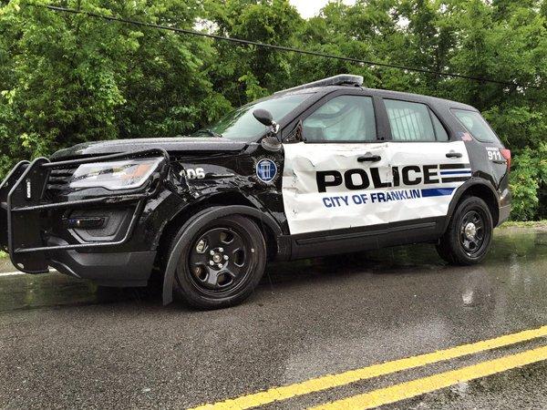 Franklin officer injured in McEwen Drive crash