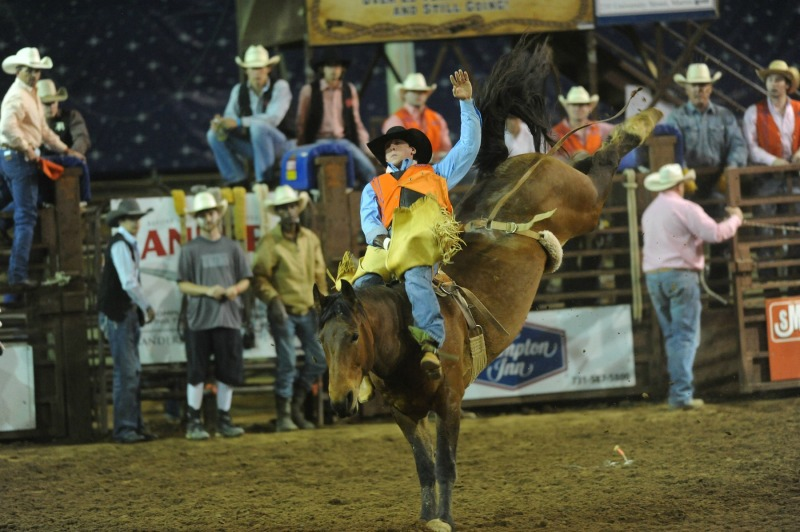 Franklin Rodeo gives scholarship to Page High alum